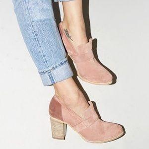 Pink slip on block heel loafers Size 8